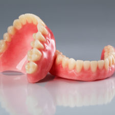 denture Group Qualident